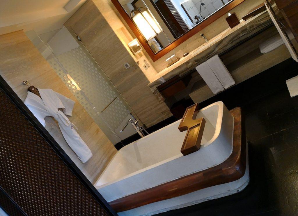 バリ島のソフィテルホテルの浴槽