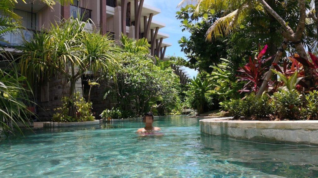 バリ島のソフィテルホテルのプール3
