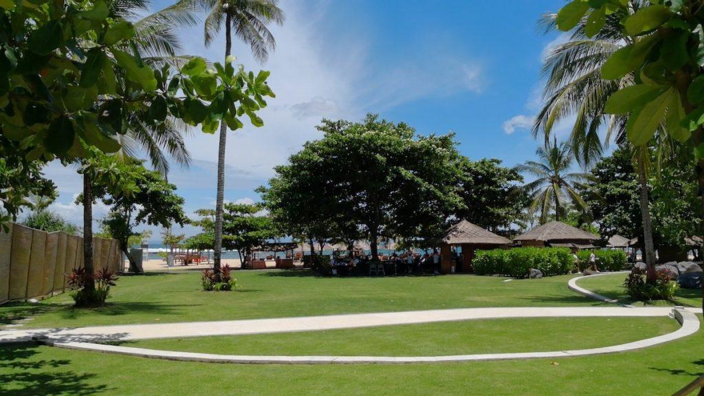 バリ島のソフィテルホテルのプライベートビーチ1