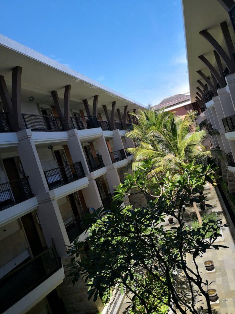 バリ島のソフィテルホテル中庭