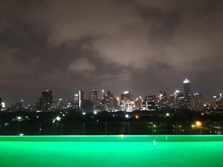 SOソフィテルバンコクのプールの様子
