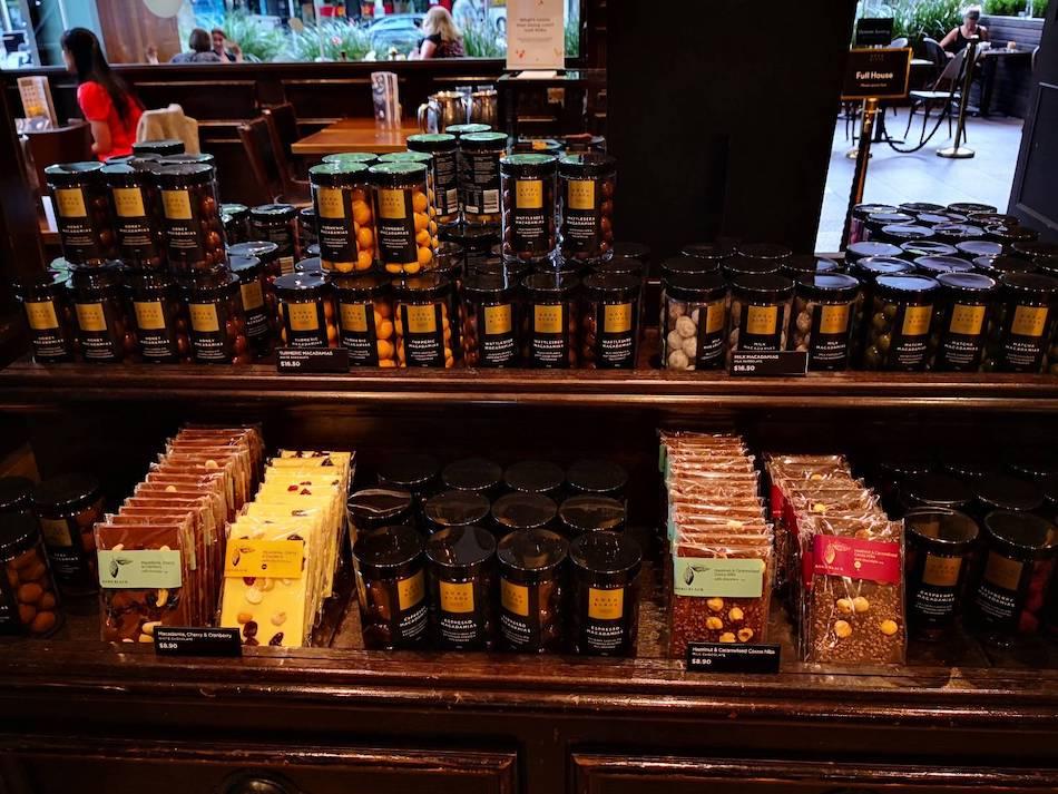 ココブラック店内で売られているチョコレート2