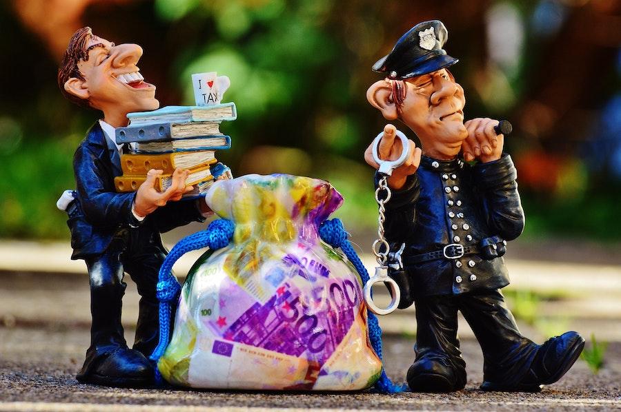 スペインでの警察人形