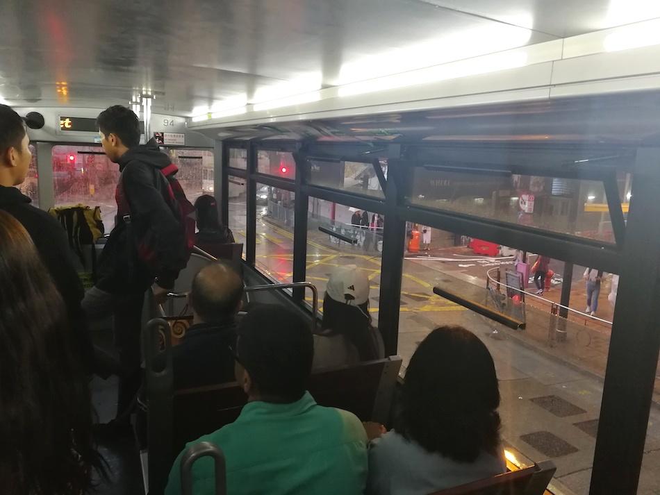 香港のトラム車内の様子