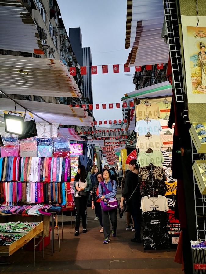 香港男人街の出店の様子3