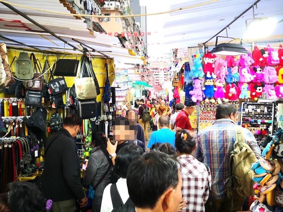 香港男人街の出店の様子1