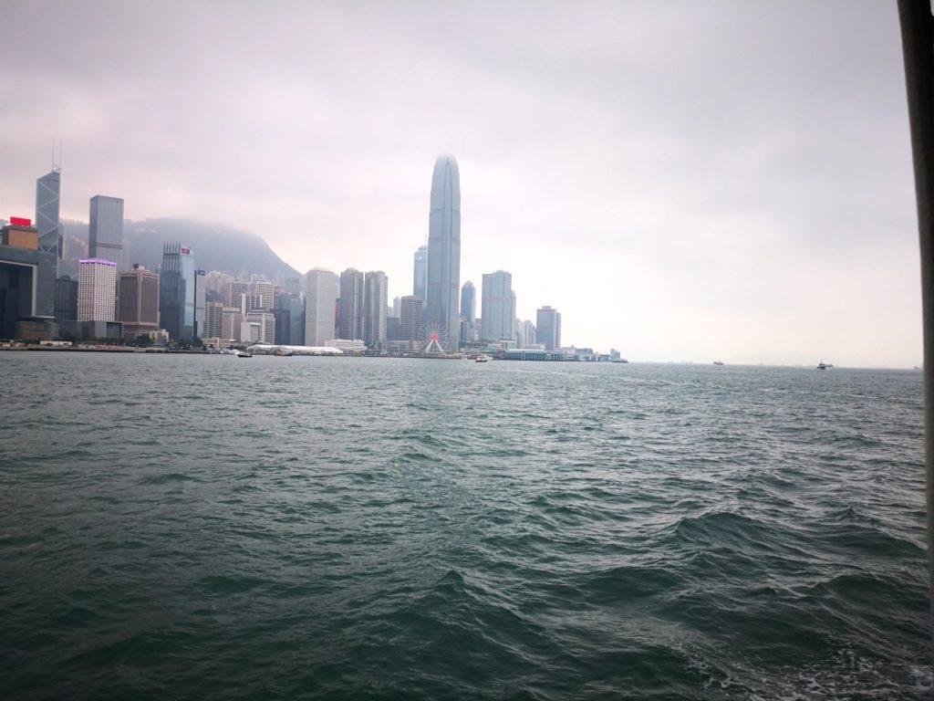 香港スターフェリー船内からの眺め4